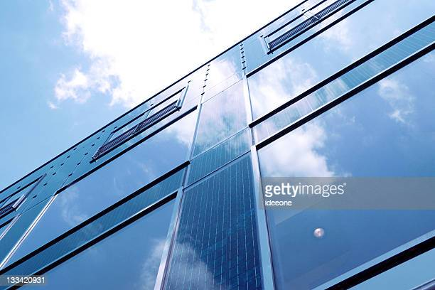 solar blue - gekanteld stockfoto's en -beelden