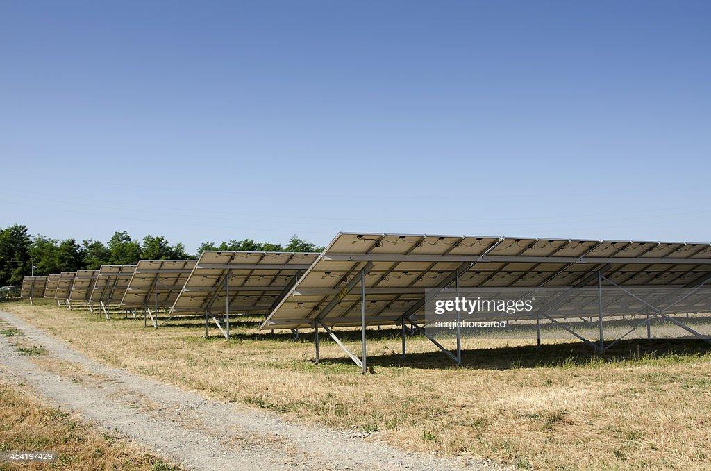Campo solar Itália : Foto de stock