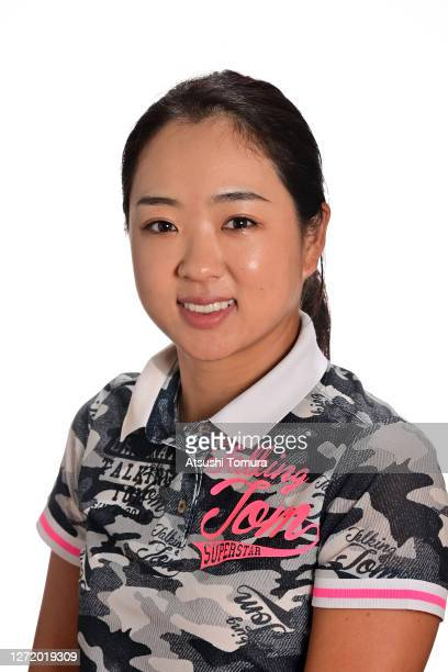 https://media.gettyimages.com/photos/solar-lee-of-south-korea-poses-during-the-jlpga-portrait-session-on-picture-id1272019309?s=612x612