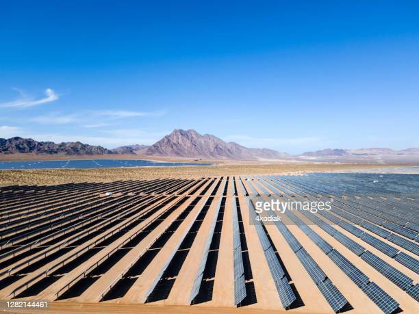 solar power generation - desert stock pictures, royalty-free photos & images