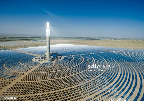 solar power plant - solar powered station stock pictures, royalty-free photos & images
