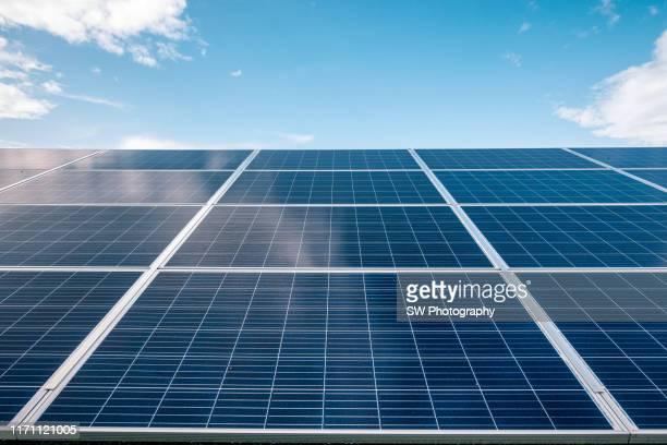 solar power plants in poland - control fotografías e imágenes de stock