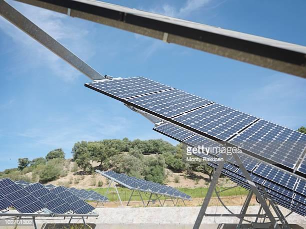 solar power station, side view - monty rakusen stock-fotos und bilder