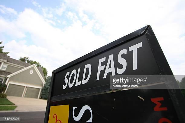 Panneau immobilier vendu rapide