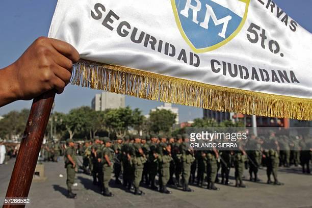 Soldados del Ejercito de Guatemala forman filas en la Plaza de la Constitucion en Ciudad de Guatemala el 06 de Abril de 2006 Un total de 2400...