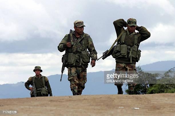 Soldados del Ejercito de Guatemala participan en un despliege militar y policial en el canton San Sebastian departamento de San Marcos 300 kms al...