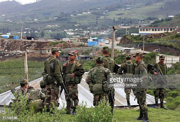 Soldados del Ejercito de Guatemala participan en un operativo en el canton Villa Real municipio de Tajumulco departamento de San Marcos 300 kms al...