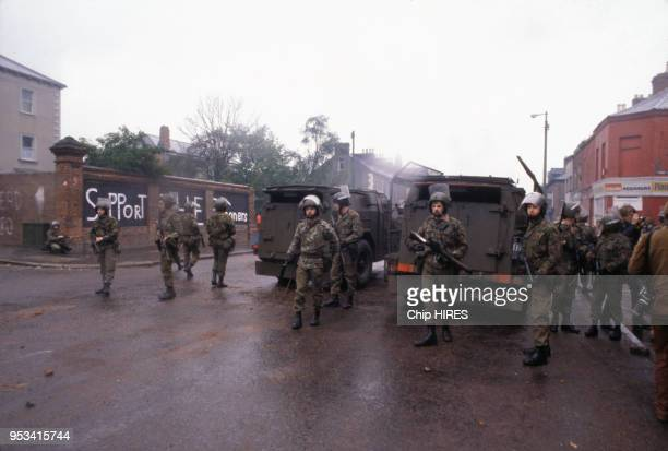 Soldats britanniques à Belfast après la mort de Bobby Sands en mai 1981 RoyauUni