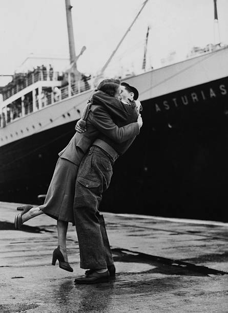 Soldier Arriving Home From Korean War At Southampton In England On September 16Th 1955 Wall Art
