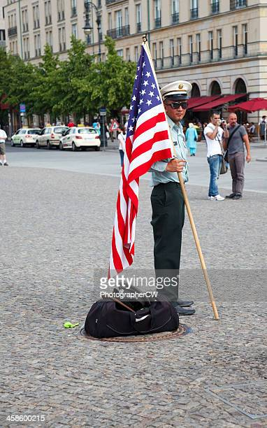 Uns Soldat in Bradenburger Tor