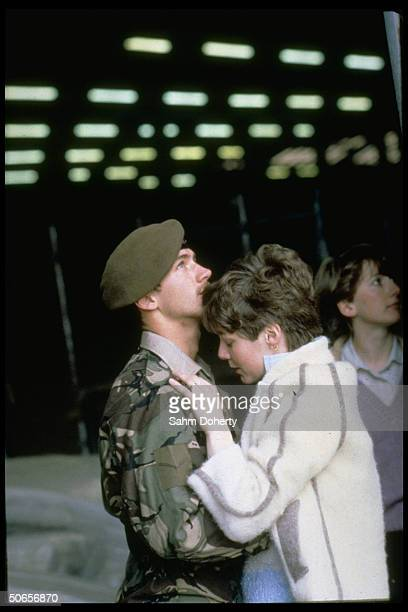 Soldier embracing his wife before sailing to Falklands on QE2
