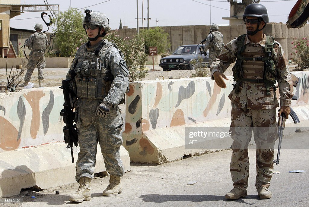 A US soldier from Bravo battery 2nd batt : Foto di attualità