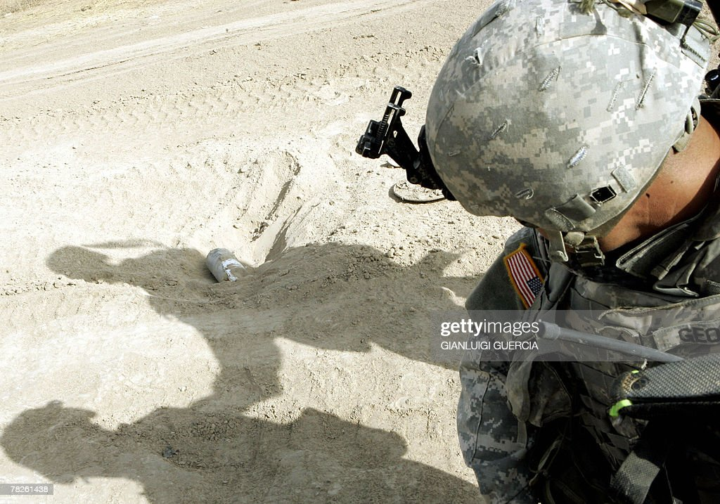 A US soldier from Bravo company, 1st Bat : News Photo
