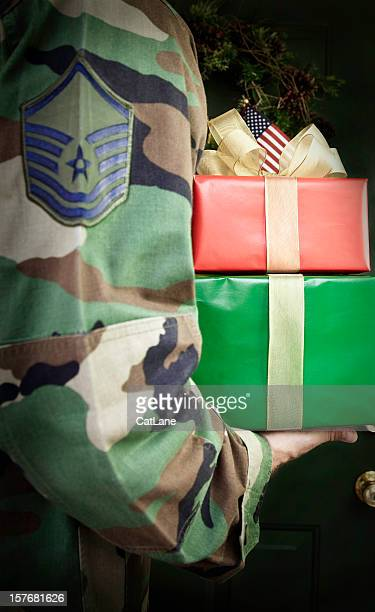 soldier home for the holidays - patriotic christmas stock pictures, royalty-free photos & images