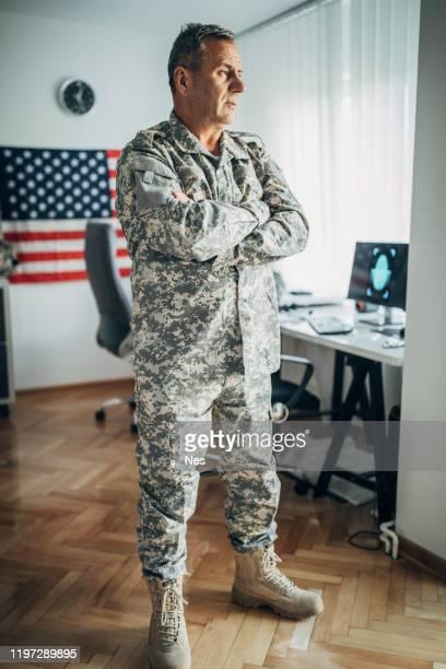 米兵、本部事務所に - 将校 ストックフォトと画像