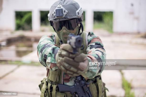 soldier of fortune - air soft gun foto e immagini stock