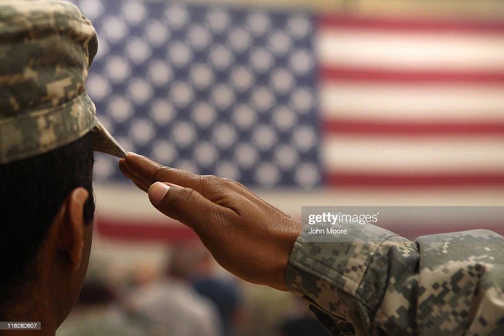 1st Brigade Combat Team Soldiers Return Home After Afghanistan Deployment : ニュース写真