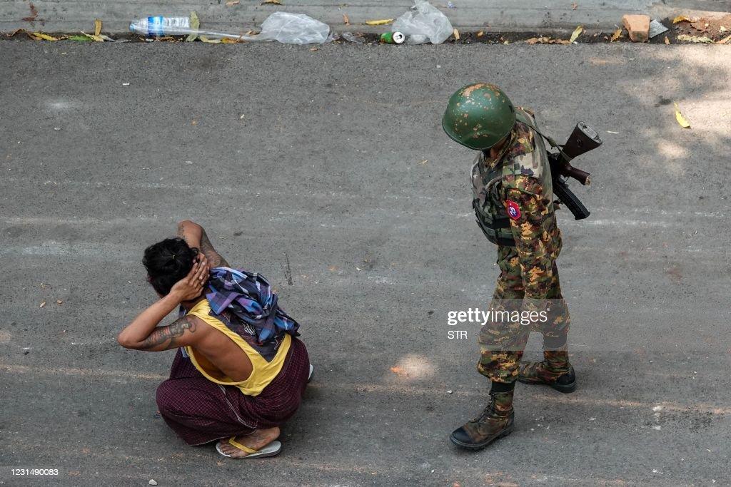 TOPSHOT-MYANMAR-POLITICS-MILITARY : News Photo