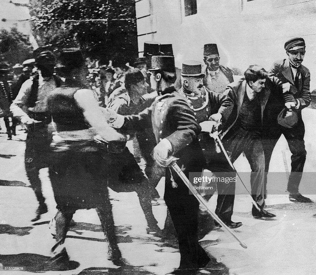 Soldiers Capturing Assassin of Archduke Ferdinand : News Photo