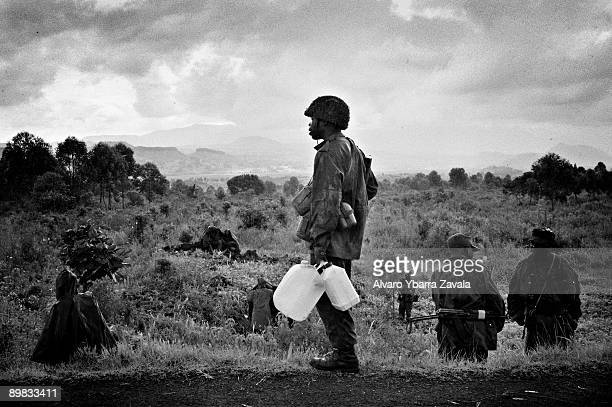 soldiers at Kibati checkpoint