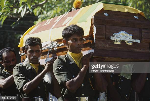 Soldiers carry the coffin of 22year old Lance Corporal Alvis January 1 1995 in Colombo Sri Lanka The Army soldier was killed by Liberation Tigers of...