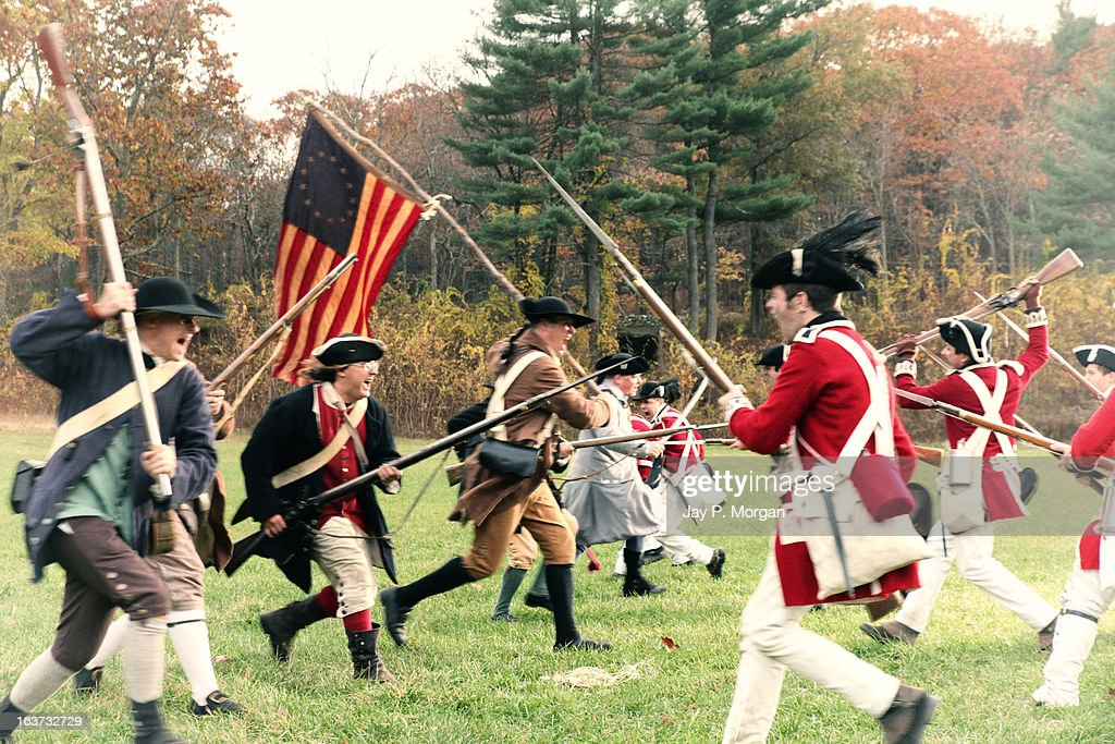 Soldiers clash in the battle of Revolutionary War : Stock Photo