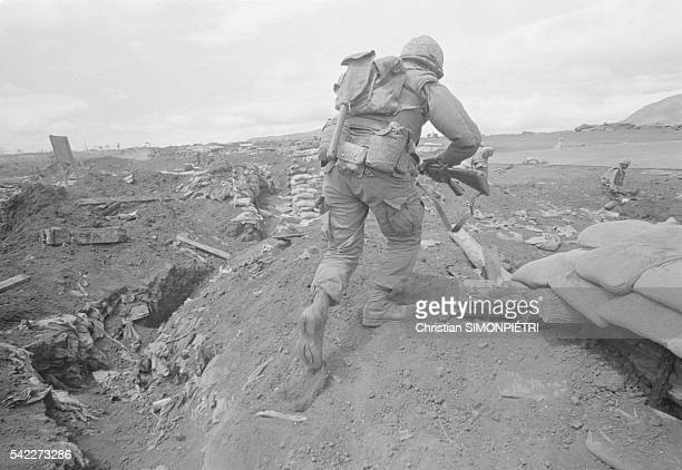 Soldiers during fights the Khe Sanh entrenched camp