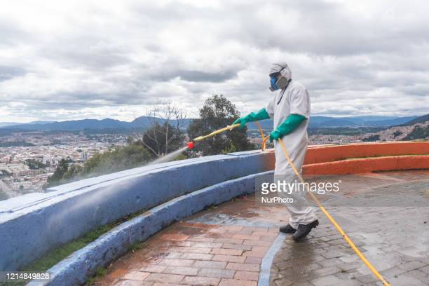 Soldiers from the Military Police Battalion during a cleaning disinfection and spraying session in the La Mariposa Mariposa sector to counter the...