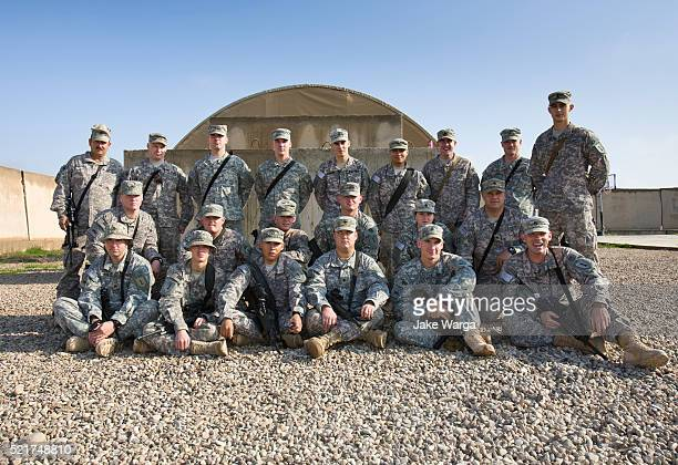 us soldiers in group shot, 1st infantry division - jake warga stock pictures, royalty-free photos & images