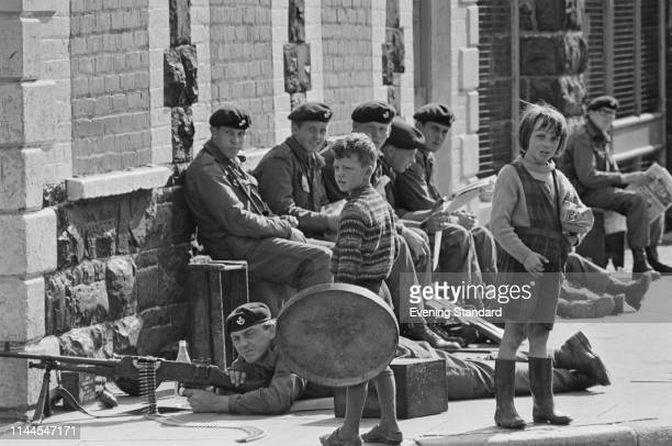 Soldiers in Northern Ireland during The Troubles 16th August 1969