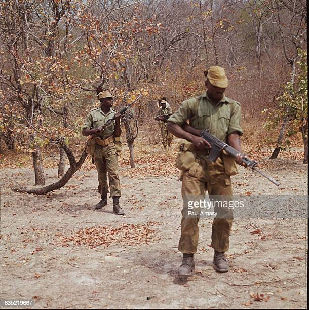 Soldiers in the Rhodesian army patrolling the Tanzanian border Africa 1971 | Location Tanzanian border Africa