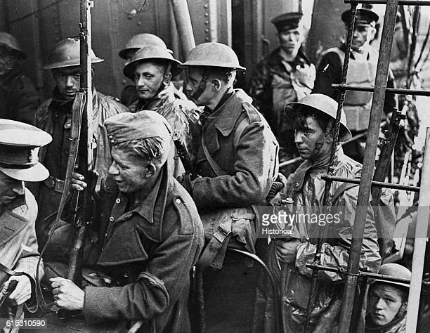 Soldiers of the British Expeditionary Force come home from Dunkirk after the German invasion of France June 1940