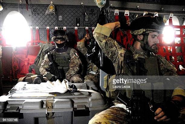 Soldiers of the Folgore Parachute Brigade on a C130 airplane during a flight on September 15 2009 near Farah Afghanistan More than 2800 Italian...