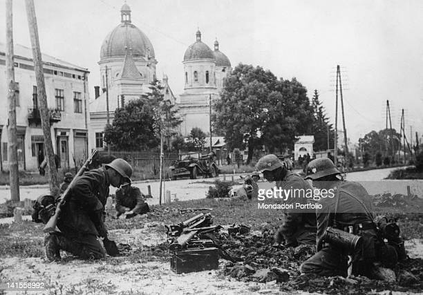 Soldiers of the German army digging a trench in the city Kaunas June 1941