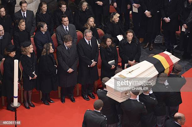 Soldiers of the regiment of the Carabiniers Prince Baudouin Grenadiers carry the coffin of Queen Fabiola of Belgium during her funeral ceremony at...