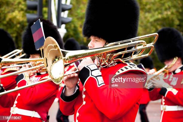 soldiers of the royal guard - luogo d'interesse stock pictures, royalty-free photos & images