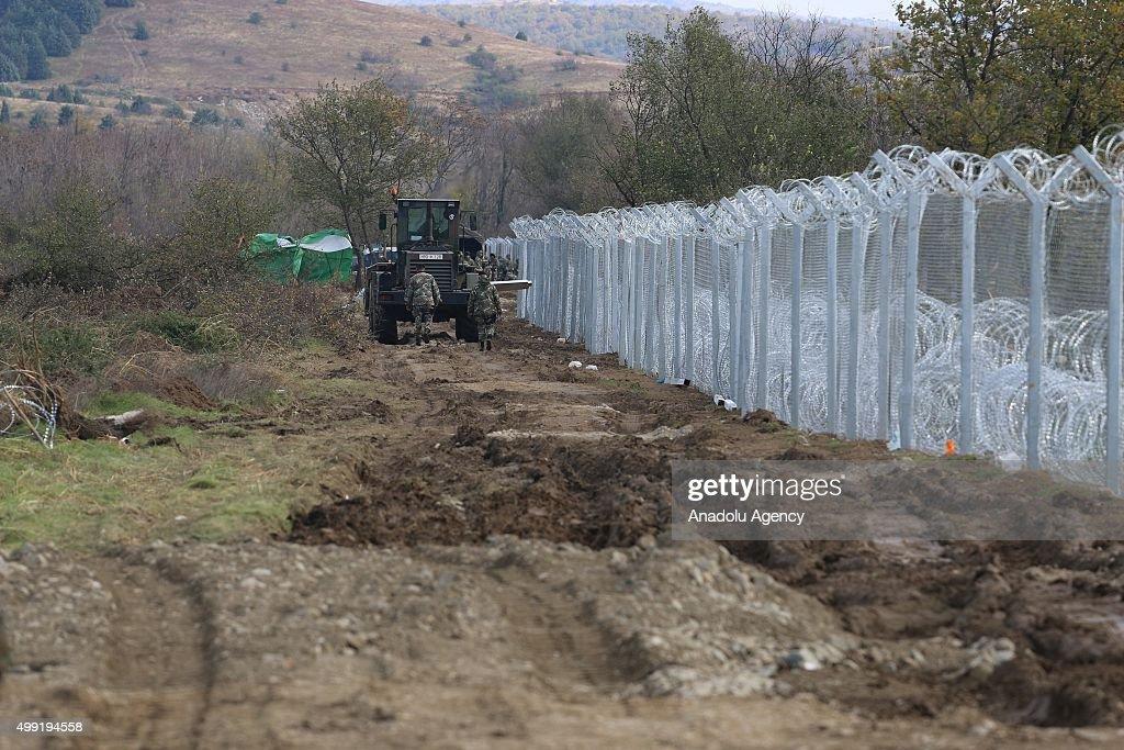 Refugees at Greek - Macedonian border : News Photo