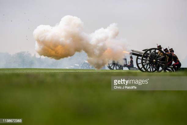 Soldiers reload a gun after firing during a 41 Royal gun salute to mark the 93rd birthday of Queen Elizabeth II at Hyde Park on April 22 2019 in...