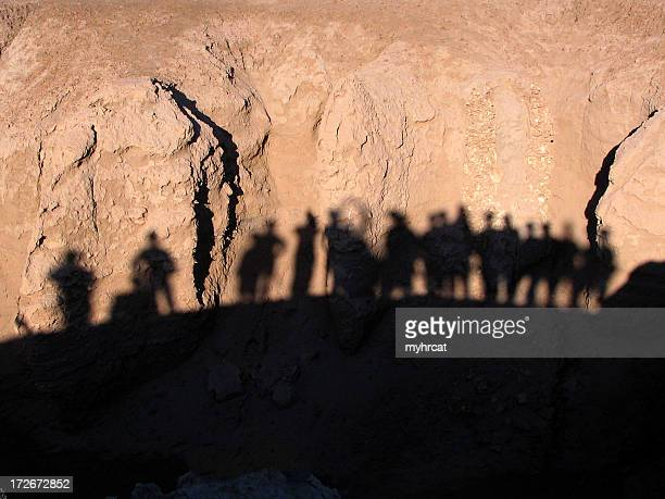 soldiers silhouetted - iraq war stock pictures, royalty-free photos & images