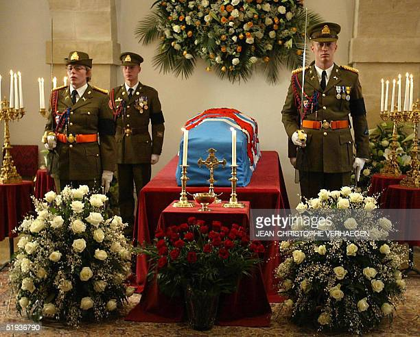 Soldiers stand near the coffin late Grand Duchess Josephine Charlotte in Salle de Balances at Grand Ducal Palace 11 January 2005 in Luxembourg...