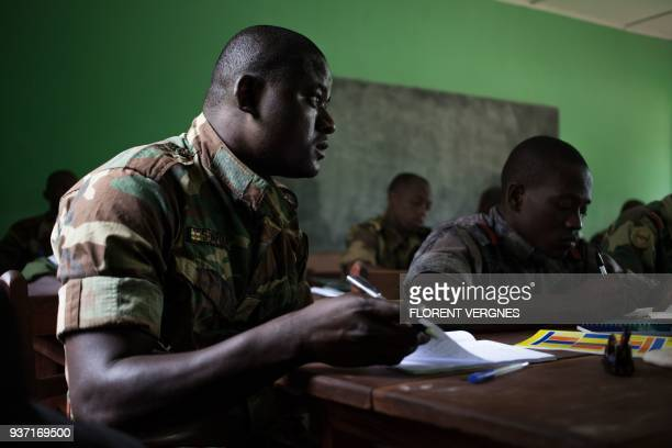 Soldiers take military tactics lessons at Kassai camp in Bangui on March 14 2018 At this location the European Union training mission in the Central...