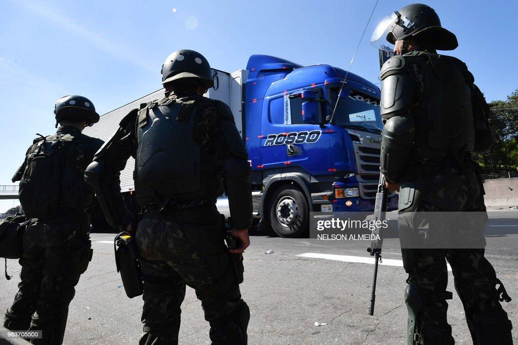 BRAZIL-ECONOMY-FUEL-STRIKE : News Photo