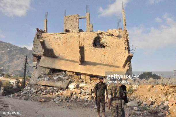 Soldiers take security measures at the Al Jamaliya neighborhood of Taiz governorate, in south-western Yemen, on December 23, 2018. Yemenis in Taiz...