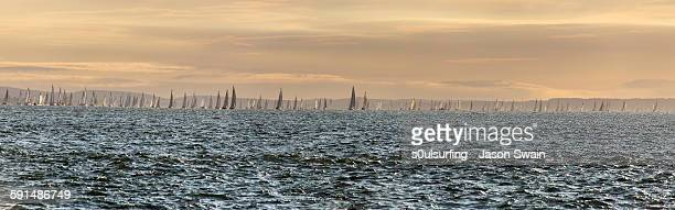 solent sunrise - s0ulsurfing stock pictures, royalty-free photos & images