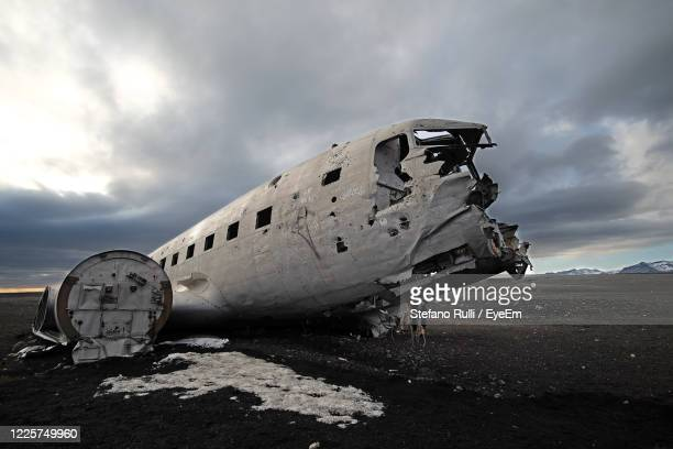 solheimasandur plane wreck, icelad - airplane crash stock pictures, royalty-free photos & images