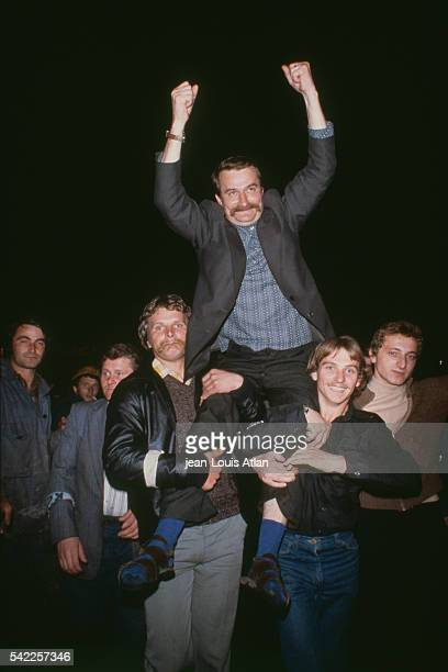 Solidarnosc Leader Lech Walesa is carried on the shoulders of union members during the strike at Gdansk shipyard after negotiations with Polish...