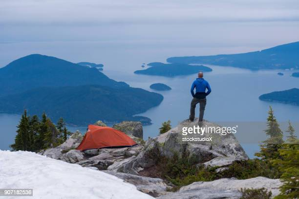 solo travel - vancouver canada stock pictures, royalty-free photos & images