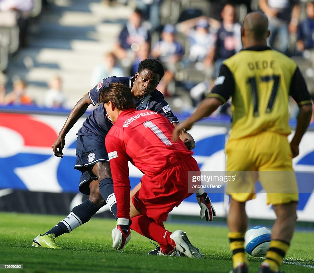 Hertha BSC v Borussia Dortmund - Bundesliga : News Photo