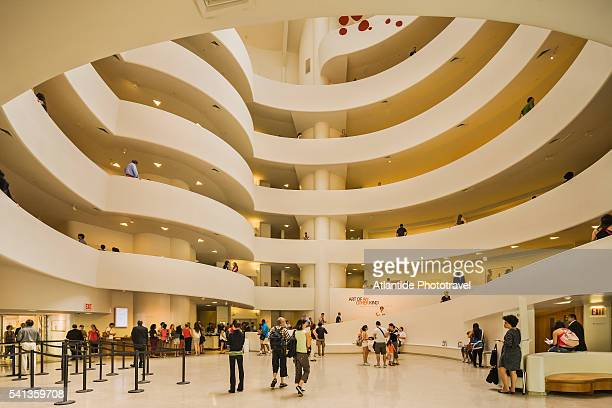 solomon r, guggenheim museum - solomon r. guggenheim museum stock pictures, royalty-free photos & images