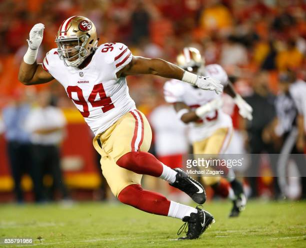 Solomon Thomas of the San Francisco 49ers defends during the game against the Kansas City Chiefs at Arrowhead Stadium on August 11 2017 in Kansas...